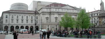 Milano_scala_piazza_2