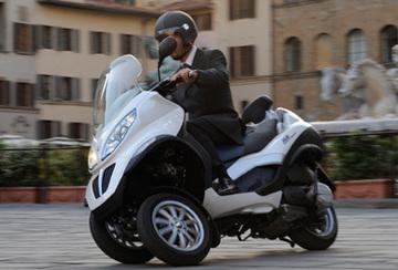 Piaggio_mp3_hybrid_r375