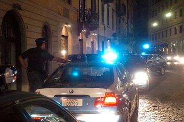 Retata_auto_polizia_notte_medium
