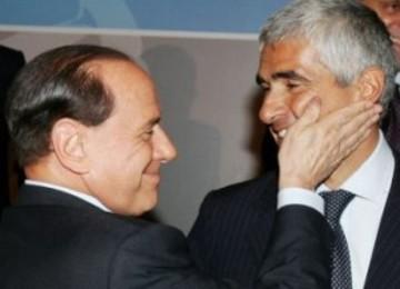 Berlusconi_casini_maggioranza