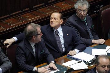 Berlusconiannuncialedimissionicrona