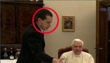 20120525_maggiordomo_papa