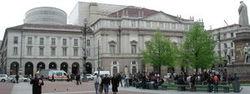 Milano_scala_piazza